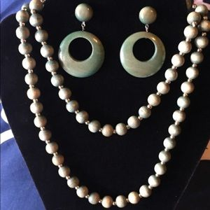 VINTAGE MOD Wooden Necklace Set
